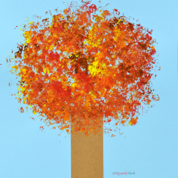 Have fun creating a beautiful Fall Tree Kid Craft with paint and Bubble Wrap