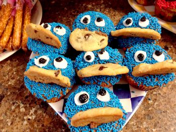 Easy, Homemade Cookie Monster Cupcakes
