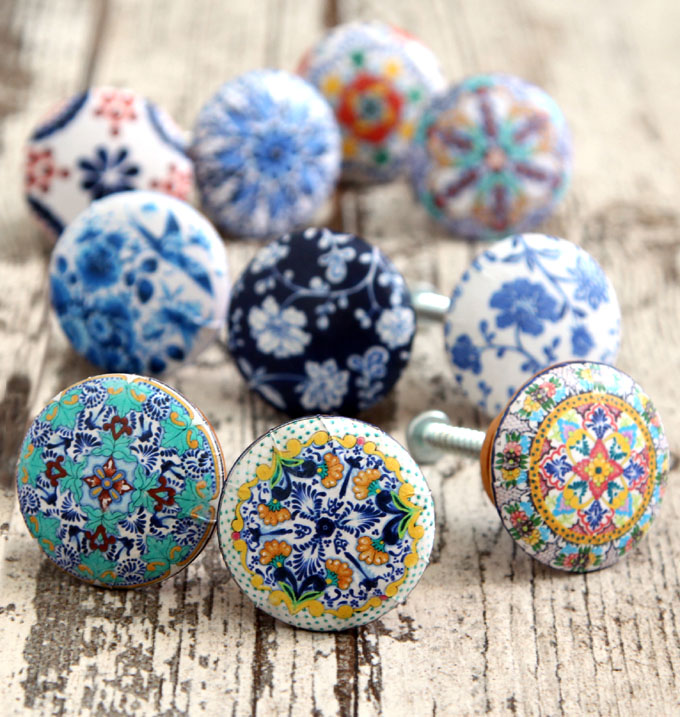 Stunning 5-minute DIY cabinet or door knobs that look like hand painted designer ceramic knobs! Download beautiful designs to make your own set easily!