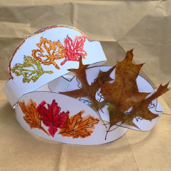 Print off your Printable Autumn Crown for your little one for some fall fun! This leaf activity can be done so many ways.
