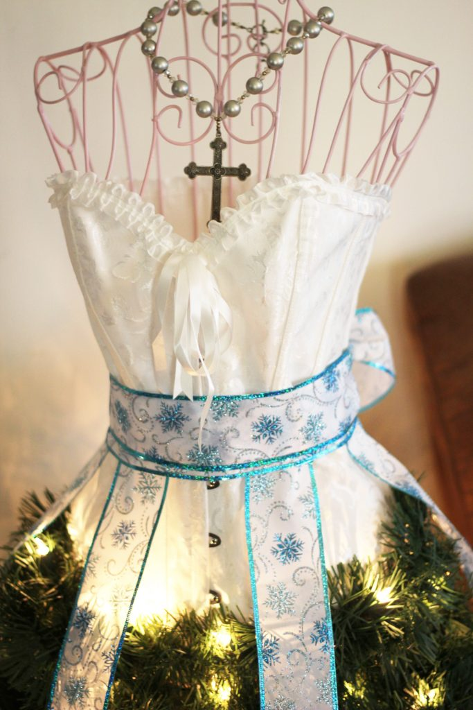 Dress Form Christmas Tree.Dress Form Christmas Tree Fun Family Crafts