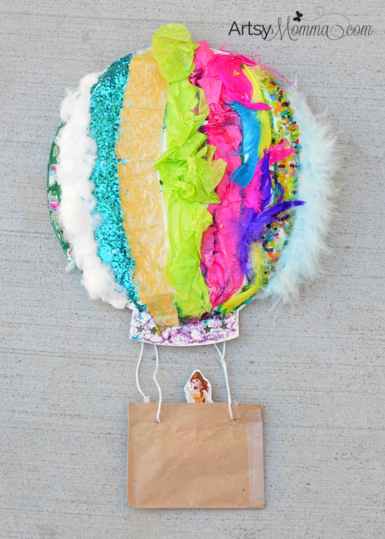 This cute sensory project starts with a paper plate.