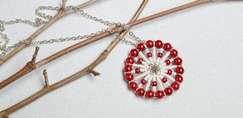 How to Make a Red Pearl Bead and White Seed Bead Circular Pendant Necklace