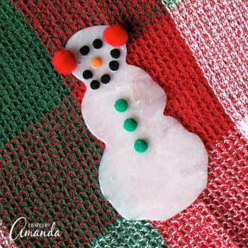 This Glue Snowman is the easiest craft and looks great on so many different things!