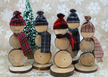 A couple of fun Holiday Wood Slice Projects