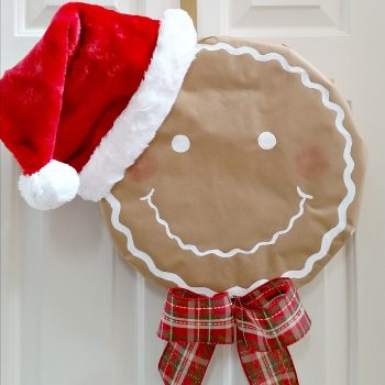 Santa Gingerbread Man Wreath