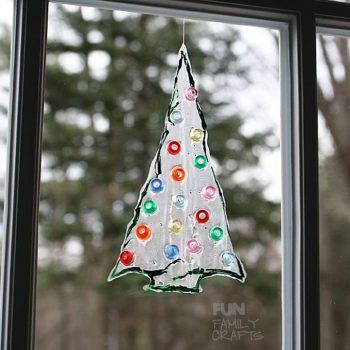 beaded-christmas-tree-sun-catcher-680