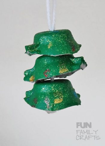 egg-cup-christmas-tree-vertical