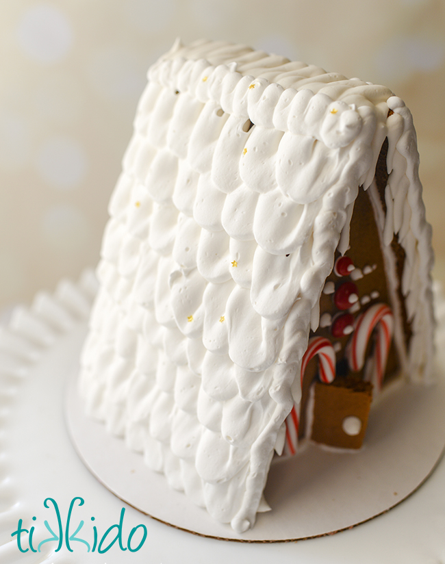 Easy and quick technique for making a shingled gingerbread house roof out of royal icing.