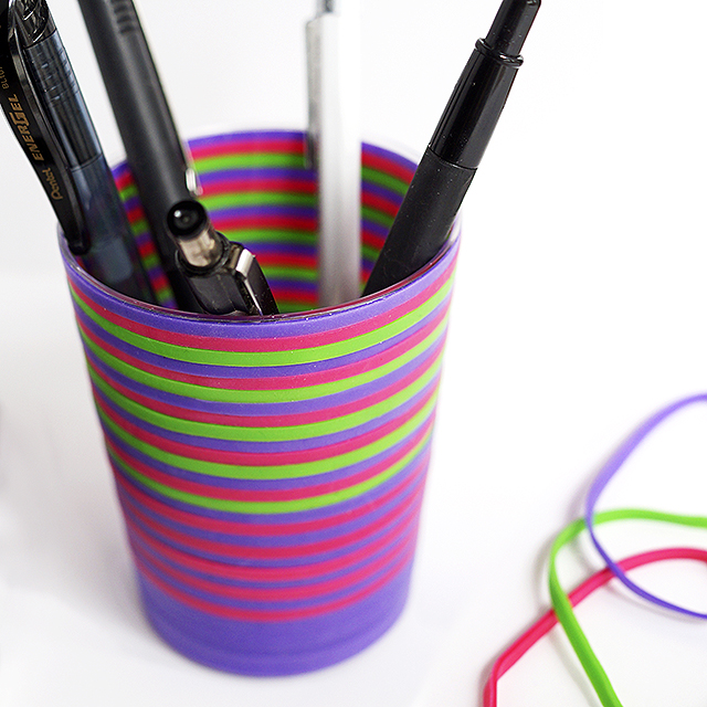 Rubber bands pencil holder
