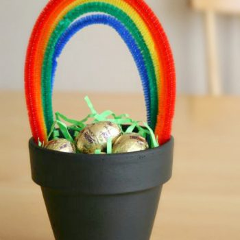 Rainbow Pipe Cleaner Pot of Gold