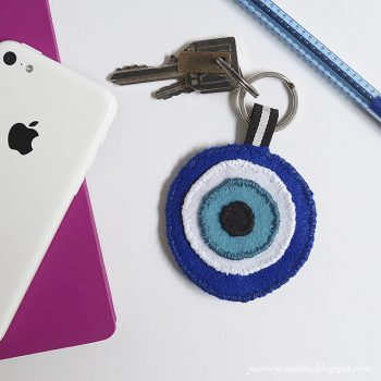 Eye Felt Keychain