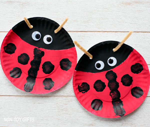 Paper Plate Ladybug & Paper Plate Ladybug | Fun Family Crafts