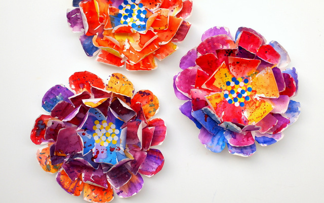 Hyper Colorful Painted Paper Plate Flowers & Hyper Colorful Painted Paper Plate Flowers | Fun Family Crafts
