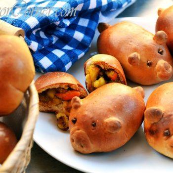 Stuffed Piglet Breads