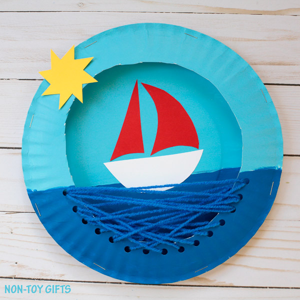 This paper plate boat is a fun summer craft for kids. Itu0027s easy to transform into a pirate ship a cruise ship or another vessel. & Paper Plate Boat | Fun Family Crafts