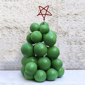 Balloons Christmas Tree Advent Calendar