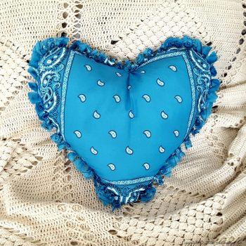 No-Sew Heart Pillow